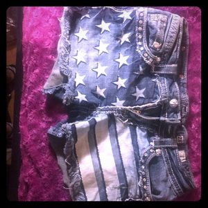 Miss Me American flag shorts size 28